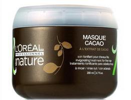 Die Maske für das Haar aus dem Öl des Sandels