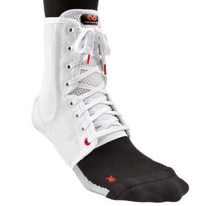 McDavid Ankle Brace / lace-up w/ stays 199 S, bílá