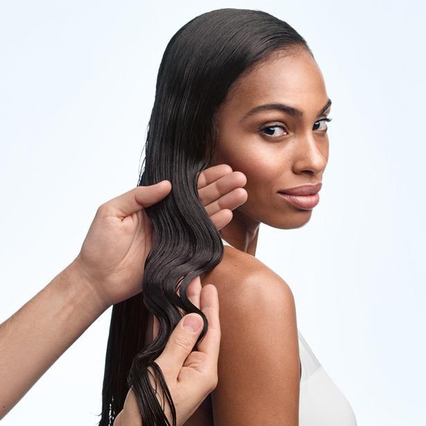 Prečo vlasy padajú  + 8 tipov ako obmedziť vypadávanie a rednutie ... 182e5ad04f4